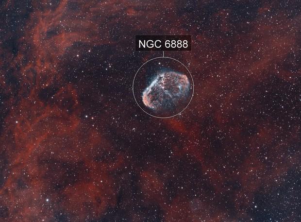 Crescent and Soap Bubble Nebulae Bicolor HOO