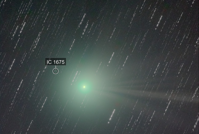 C/2014 Q2 (Lovejoy) - with star trails