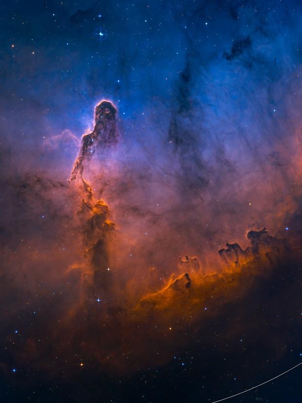 Elephant's Trunk Nebula in Hubble Palette