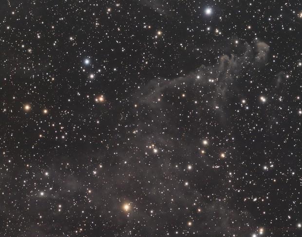 LBN 811 in Lynx Constellation L_RGB