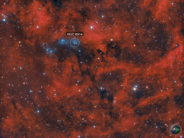 Bright reflection clouds of ngc 6914