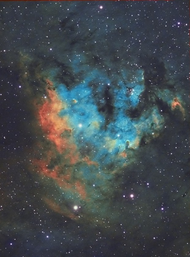 NGC7822 in Hubble palette