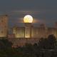 Super moon and the castle (APOD 19/12/16),                                Tomeu