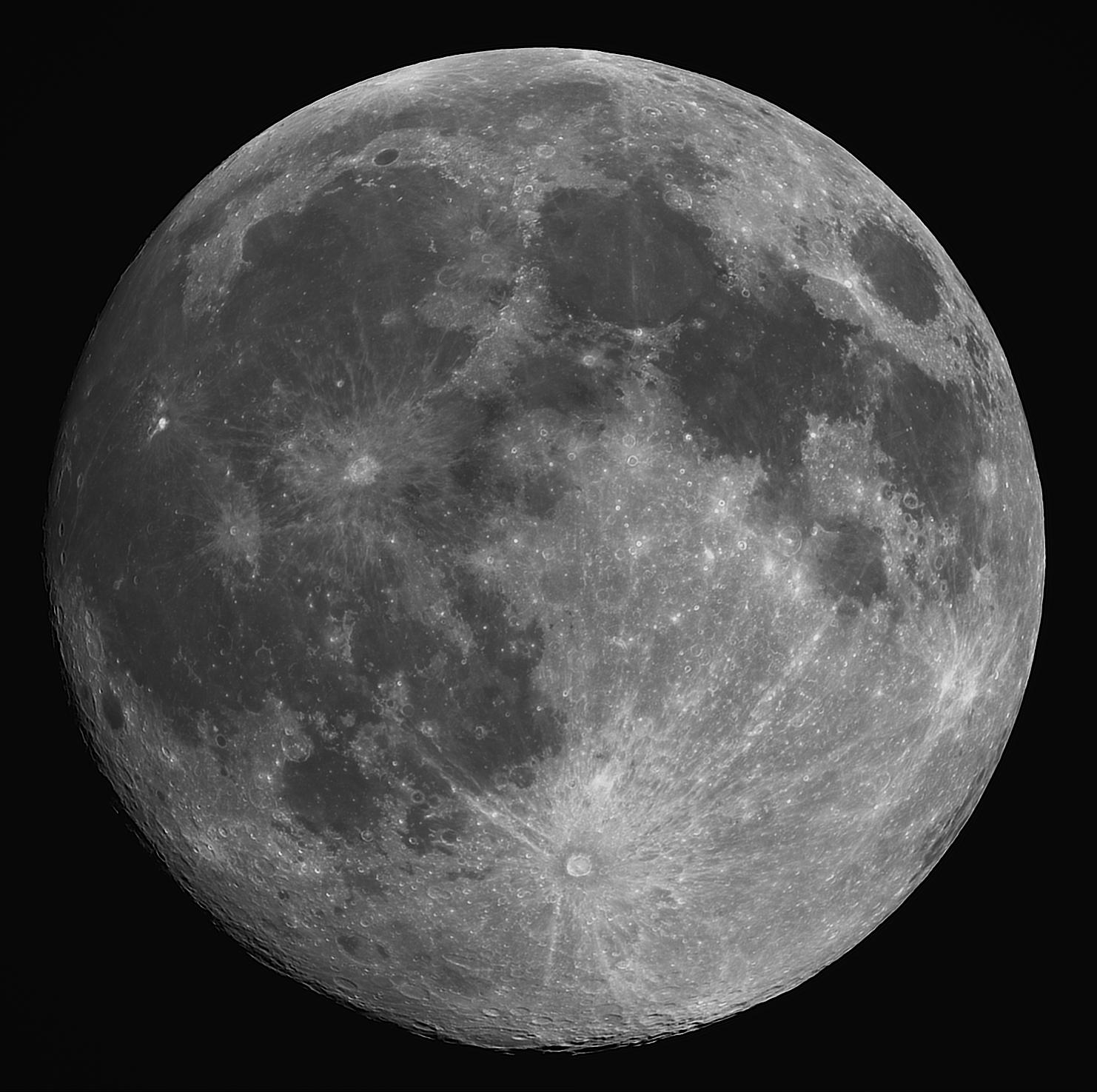 Moon at 99.1%,                                Lee