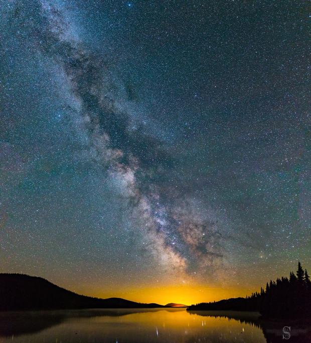 Milky Way & airglow,                                AstroGG