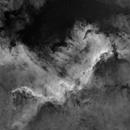 Cygnus Wall - H-alpha - Starless,                                Peter Kurucz