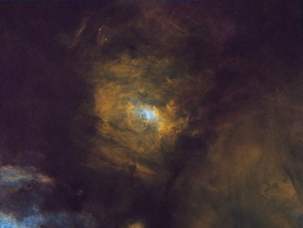 Bubble Neb NGC 7635 SHO starless and with stars,                                John D (jaddbd)