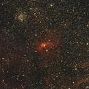 Nébuleuse BUBBLE (NGC 7635) au centre et amas ouvert M52 (en haut à gauche) dans Cassiopée ,                                Denis Bergeron