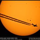 Avión cruzando el Sol,                                Lluis Romero Ventura