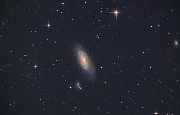 Messier 90,                                Станция Албирео