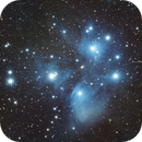 Amas ouvert M45 (LES PLEIADES) dans TAURUS (Haute résolution),                                Denis Bergeron