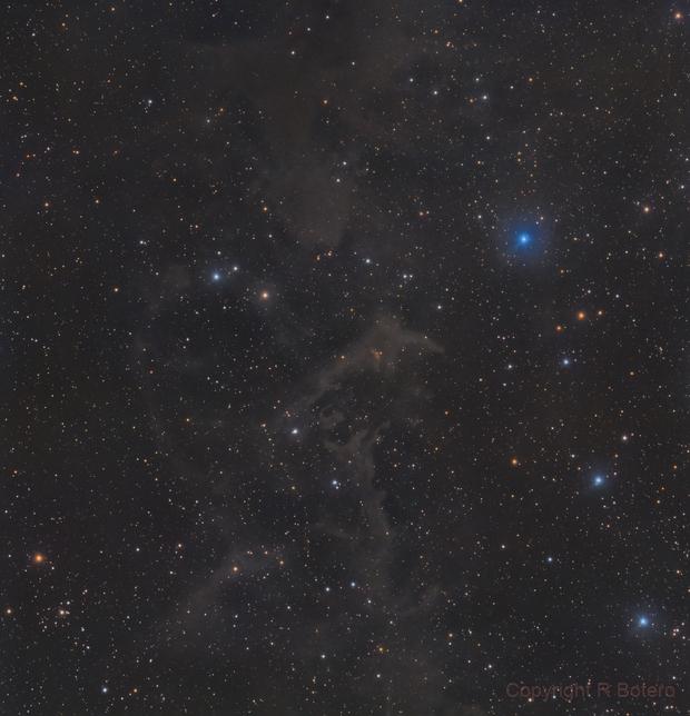 LBN 552 - LRGB - Molecular cloud in Cepheus,                                Roberto Botero