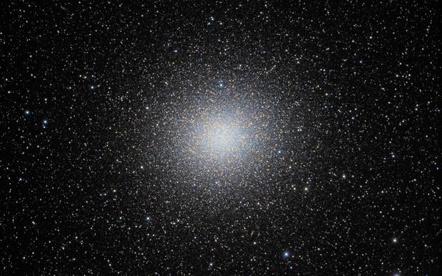 NGC 5139 Omega Centauri (full frame rescaled),                                Giovanni Paglioli