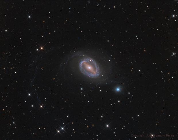 NGC 1512-1510, a pair of interacting galaxies in Horologium,                                José Joaquín Pérez
