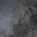 Voie Lactée,  Collinder 399 (le cintre) et les LDN environnantes,                                Bernard Pâris