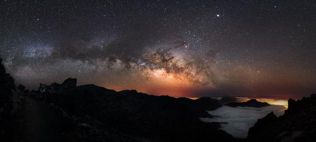 Milky Way rising La Palma,                                Peter Shah