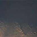 Lua com o lado escuro e o lado iluminado,                                thom-gouveia
