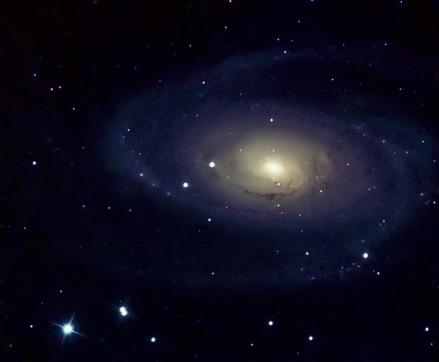 M81 under very polluted sky,                                Karlov