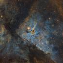 Eta Carinae - Hubble Pallet,                                Rogerio Alonso
