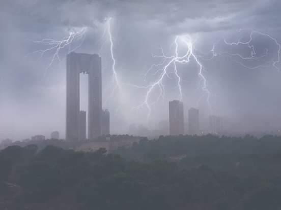The great storm (Benidorm),                                Iñigo Gamarra