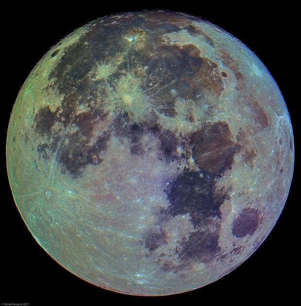 Full colored moon,                                Olivier Ravayrol