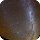 Red airglow and a meteor,                                Daniele Gasparri