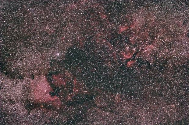 Cygnus widefield around Deneb and Sadr,                                jst