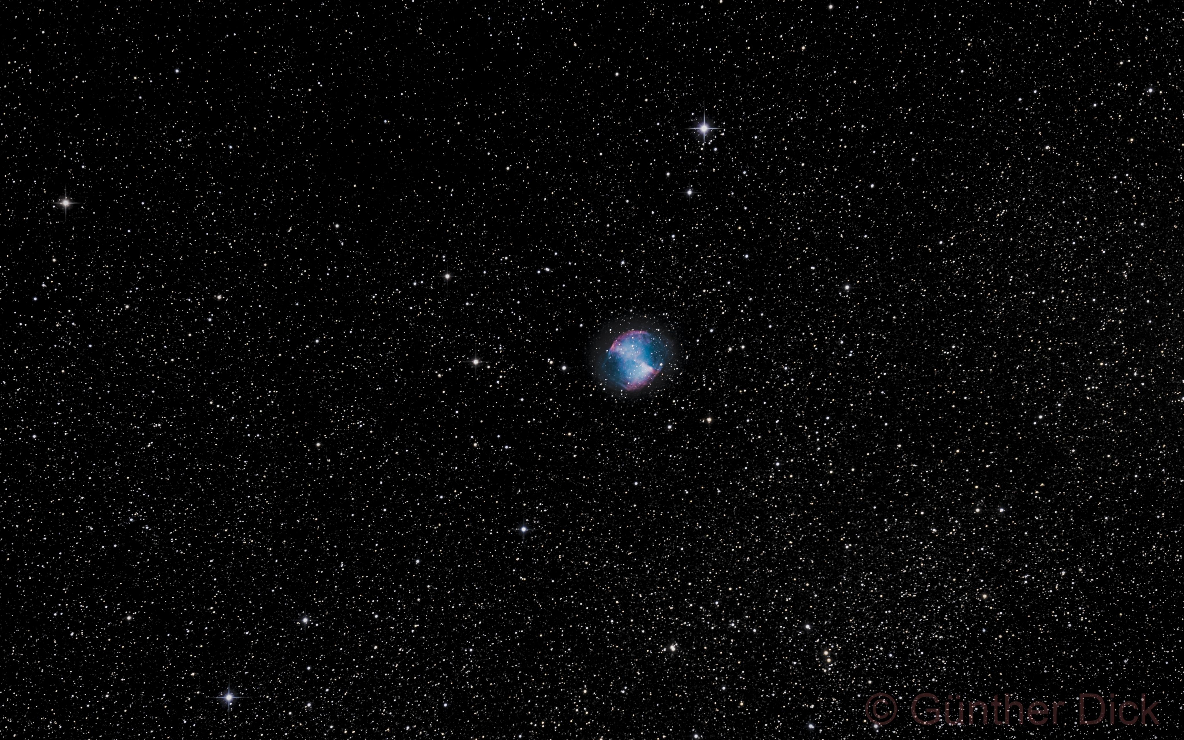 M27   Dumbbell Nebula,                                Günther Dick