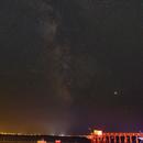 Carrelets illuminés sous la Voie Lactée,                                Jean-Baptiste Auroux