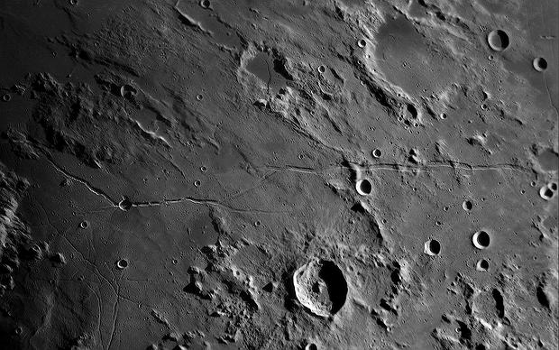 Rimae: Hyginus, Ariadaeus, Boscovich, Triesnecker,                                Henning Schmidt