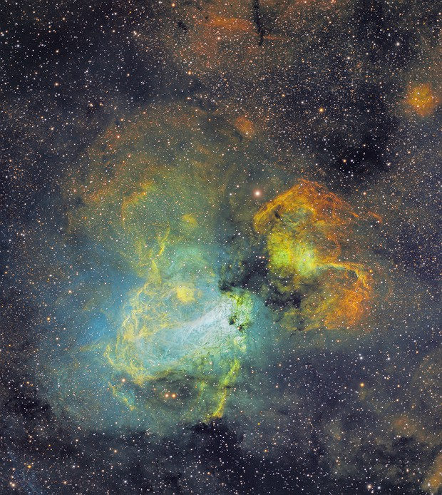 Swanning around the galaxy on the Swan Nebula - M17 in narrowband SHO,                                robonrome